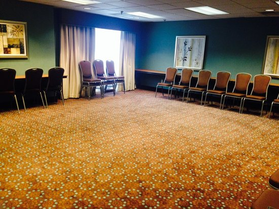 "Hampton Inn & Suites South Bend: ""Irish Room"" Meeting Space"