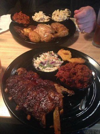 Nickel's Pit BBQ : Food