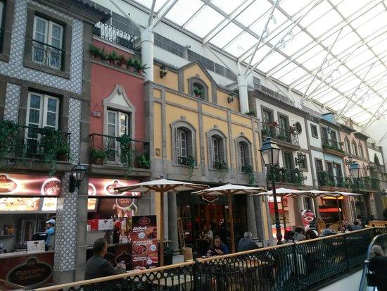 Via Catarina Shopping: Praça de alimentação