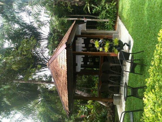 Krabi La Playa Resort: garden bar