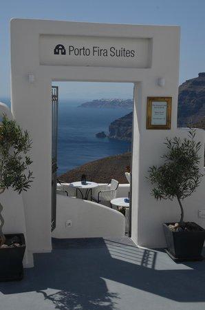 Porto Fira Suites: Entrance to Porta Fira Suites