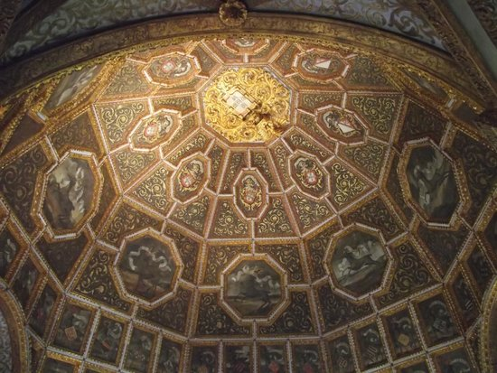 Palácio Nacional de Sintra (Palácio da Vila): Cúpula da Sala dos Brasões.