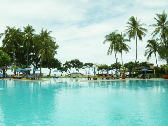 The Regent Cha Am Beach Resort: Pool side