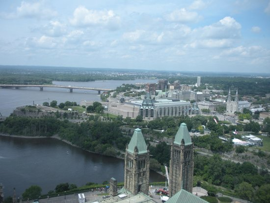 Peace Tower: Ottawa skyline