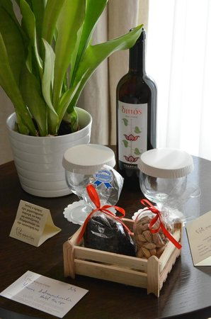 """The Athens Gate Hotel: Our """"Welcome"""" surprise - wine, raisins, pistachios"""