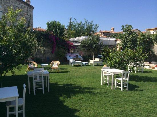 Kesre Hotel: Güzel bahçe