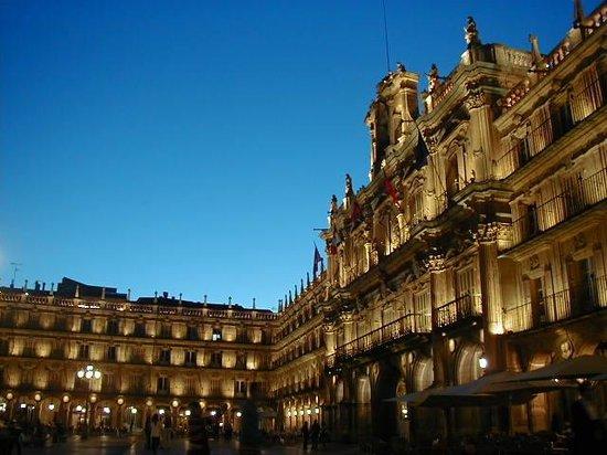 Salamanca's Plaza Mayor : El cielo y la luz de Salamanca