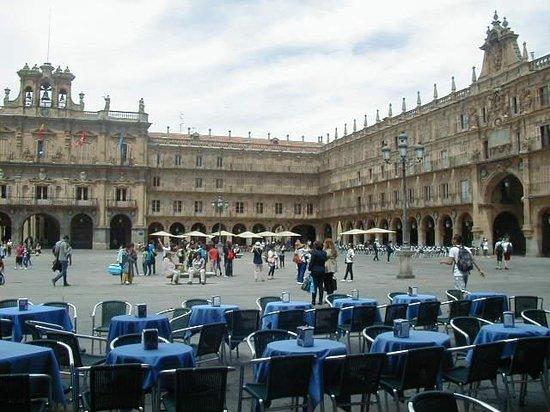 Salamanca's Plaza Mayor : PLaza mayor, hermosa a toda hora
