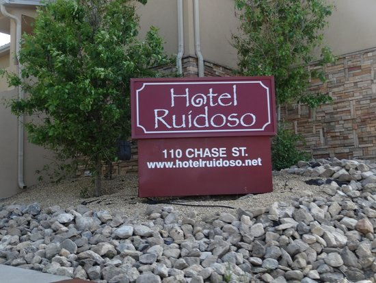 Hotel Ruidoso - Midtown: Outside hotel