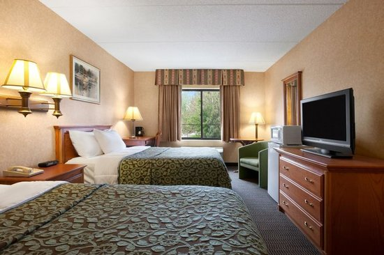 Days Inn & Suites Plattsburgh : Two Double Bed Room