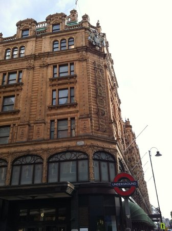 Harrods : Beautiful Inside!