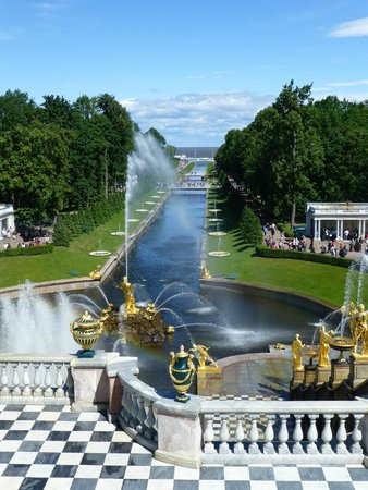 SPB Tours : Peterhof Fountains