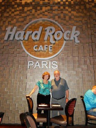 Hard Rock Cafe Paris : Inside sign - great for photo memories