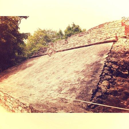 Ruinas de Coba: ball court