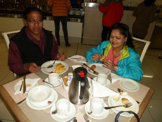Capetonian Hotel: Two medical Doctors from India having breakfast.