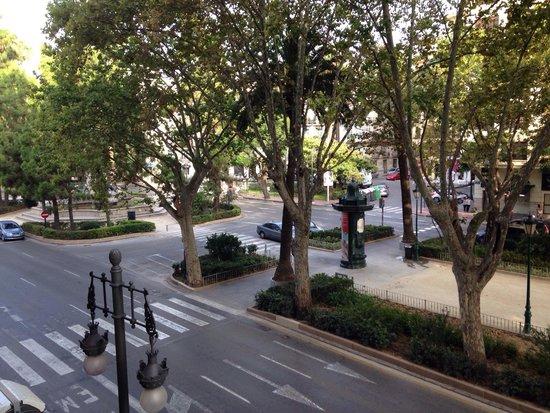 Hotel Dimar: Strada principale!