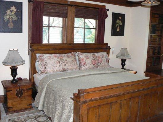1900 Inn on Montford: BEdroom