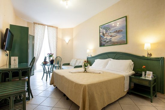 Hotel Belsoggiorno Sanremo : camera/room/chambre/zimmer
