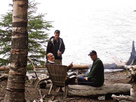 Renfro's Lakeside Retreat: Firepit at lake's edge