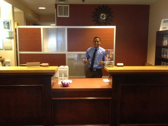 "Candlewood Suites New York City Times Square : Eis o atencioso ""Karlos""!!!"