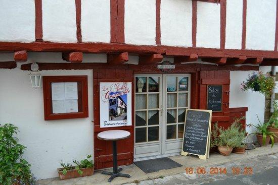 La table gourmande : Eingang vom Restaurant