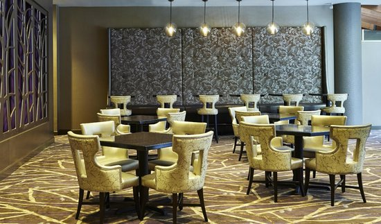Embassy Suites by Hilton Crystal City - National Airport : Modern Meeting Space