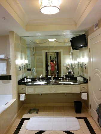 The Palazzo Resort Hotel Casino: Bathroom with his and her sinks