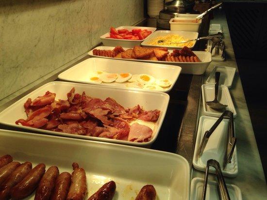 DoubleTree by Hilton London - Westminster : Petit déjeuner Buffet à volontés