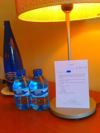 Hotel SantaMarta: Carta de despedida y obsequio