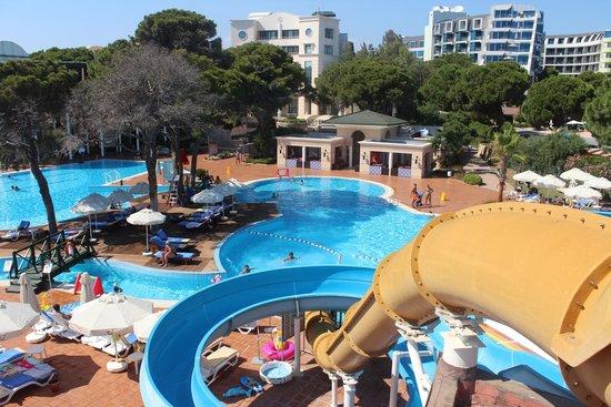 TUI Magic Life Belek: Widok na hotel i basen