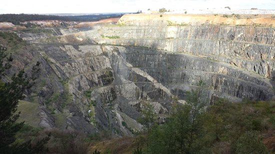 Greenbushes Mine Lookout