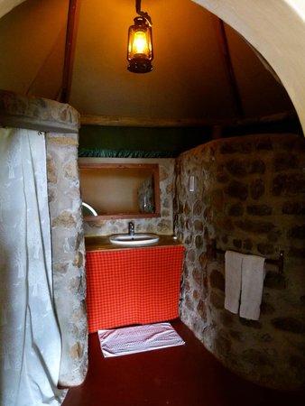 Kirurumu Manyara Lodge: Bathroom