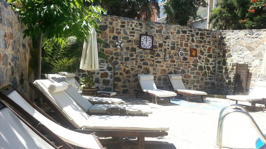 Balsamico Traditional Suites: Pool