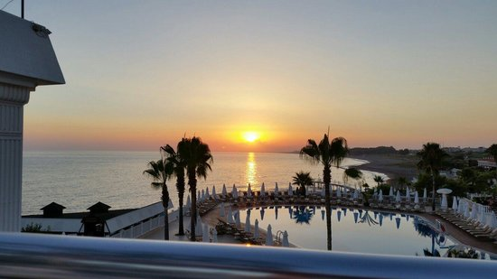 Sentido Flora Garden: Beautiful sunset from Steak Restaurant