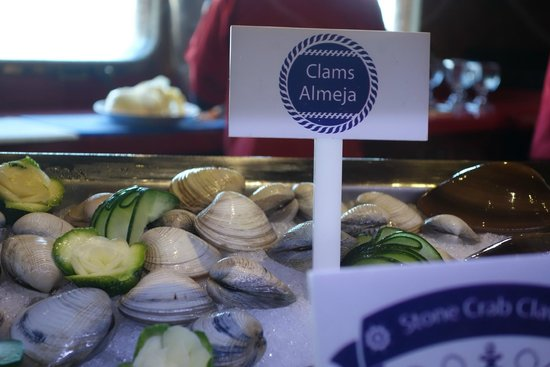 Lorenzillo's : Fresh clams
