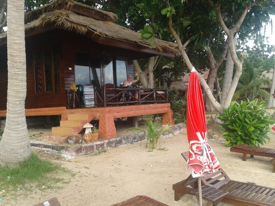 Palm Leaf Resort: bungalow deluxe beach front