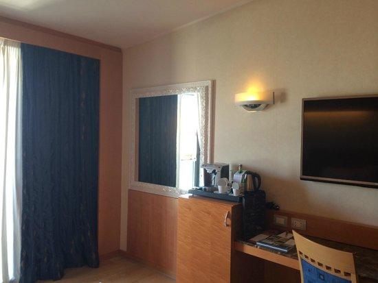 NH Collection Genova Marina: room