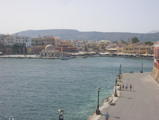 Old Venetian Harbor : Curve of the harbour
