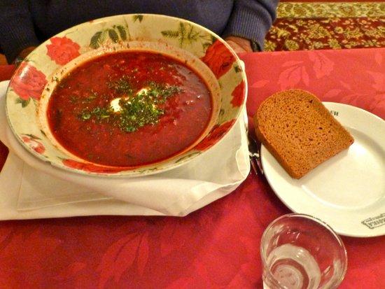 Restaurant Troika: Delicious Borscht
