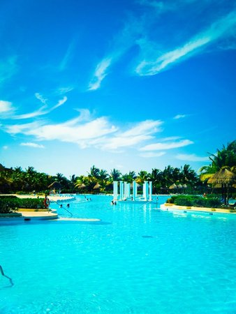 The Royal Suites Yucatan by Palladium: The amazing Pools