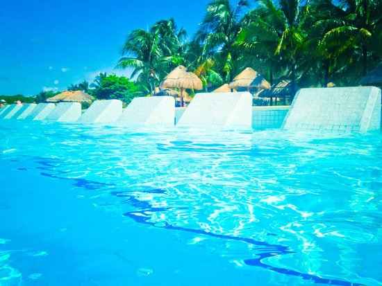 The Royal Suites Yucatan by Palladium: Loved these pool seats!