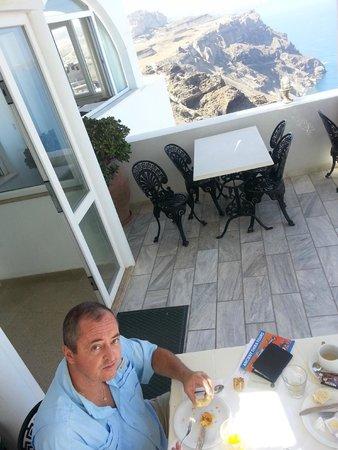 Tzekos Villas: Vista no café da manhã