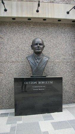 Mount Rushmore National Memorial : Автор мемориала