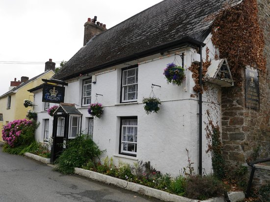 The Crown Inn - a country pub just outside Mevagissey