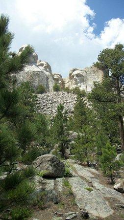 Mount Rushmore National Memorial : Памятник можно смотреть с разных ракурсов
