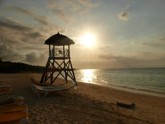 Iberostar Grand Hotel Rose Hall: Late afternoon at the beach