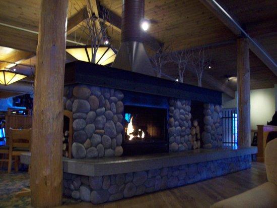 McKinley Chalet Resort : Main Lodge Fireplace