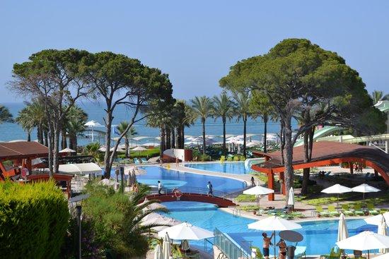 Cornelia De Luxe Resort: Pools with beach beyond