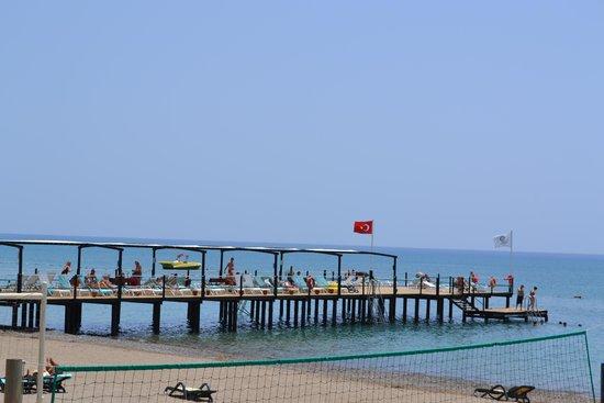 Cornelia De Luxe Resort: Pier