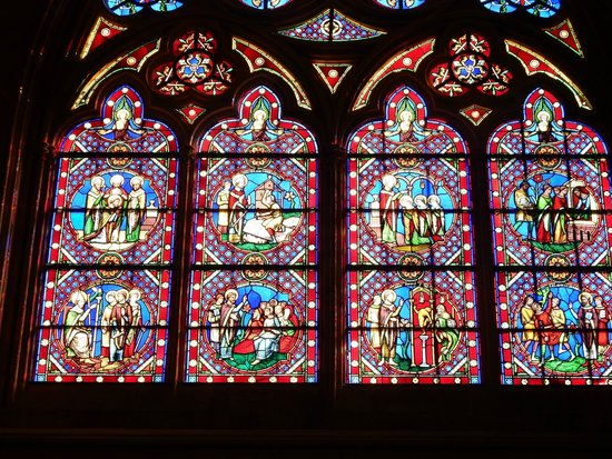 Notre Dame Cathedral: Stained glass windows